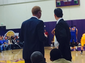 Scalabrine chats with Warriors' head coach Casey Hill. (Jacob Freedman/Galen Central)